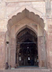 Taj-ul-Masjid entrance to the main hall